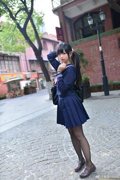 微博 School Girl Japan, School Girl Outfit, Japan Girl, Girl Outfits, Cute School Uniforms, Girls Uniforms, Beautiful Japanese Girl, Beautiful Asian Women, Teen Hotties