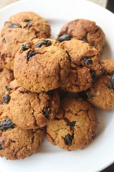 Eggless Oatmeal Raisan Cookies Recipe - Yummy Tummy