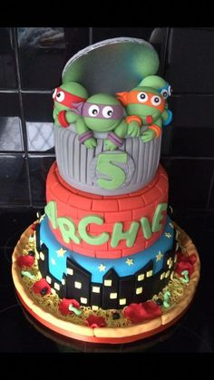 These little 'dudes' seem to be so popular at the moment, takes me back to my childhood! Loved making this 3 tier cake, complete with sewer lid and pizza board. Best Birthday Cake Recipe, Cupcake Birthday Cake, Cool Birthday Cakes, Cupcake Cakes, Birthday Ideas, Ninja Cake, Tmnt Cake, Mutant Ninja, Teenage Mutant