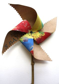 Make your own Paper Windmill - Perfect for making with the kids or even as party decorations that the kids can take home!