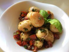 Potato Salad, Chili, Potatoes, Ethnic Recipes, Food, Chile, Potato, Essen, Meals