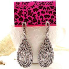Betsey Johnson crystal Rhinestone drop dangle earrings& free Gift $5.99  #BetseyJohnson #Cameo