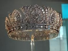 The Devonshire Tiara (British)privatly owned by the family(Chatsworth)
