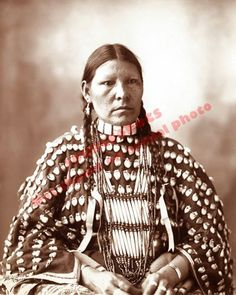 1899 ARAPHAHO NATIVE AMERICAN INDIAN WOMAN