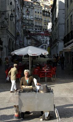 #Portugal Roasted chestnuts street vendor