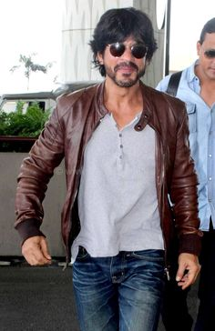 Shah Rukh Khan will begin Shooting for Aditya Chopra's Next Film in 2017