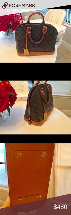 Great condition Louis Vuitton purse 2 tiny stains on inside, but other then that the purse is in perfect condition! Authentic. Come with original dust bag and paper bag :) Louis Vuitton Bags Shoulder Bags