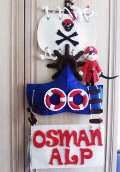 Osman Alp'in korsan temalı kapı süsü :))
