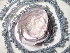 Haarschmuck & Kopfputz - FebruarNebel Haarschmuck, Perlen Borte mit Blüte - ein Designerstück von Talaura bei DaWanda