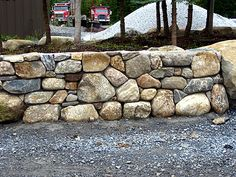 Round stone mortar wall