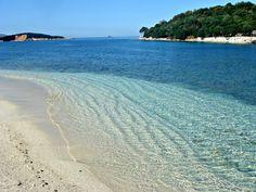 Een ontspannen vakantie Zomervakantie Een mooie omgeving, vlakbij Adriatische Zee in Albanië.