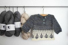neat way to organize skeins of yarn Ravelry: ittybitty's winter forest. Pattern is Anders by Sorren Kerr Fair Isle Knitting, Knitting Yarn, Baby Knitting, Crochet Baby, Knit Crochet, Knitted Baby, Knitting For Kids, Knitting Projects, Baby Patterns