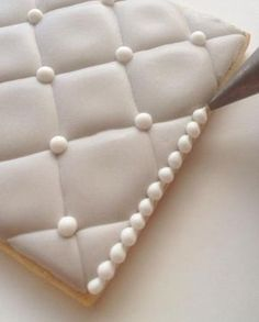 How to make quilted cookies using royal icing.