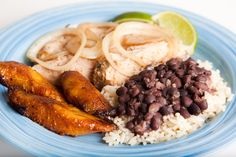 Frijoles con arroz colombiano ¡qué ricos!  #FrijolesConArroz #FrijolesColombianos #RecetasColombianas #RecetasLatinas #CocinarFrijoles #HacerFrijoles
