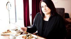Hubnete, ale chybí vám inspirace na dietní jídla, která uvařit? Stejný problém měla i čtenářka Kristina. Nutriční terapeutka pro ni proto sestavila ukázkový jídelníček na den. Inspirujte se i vy! Weight Loss Tips, Lose Weight, Russian Recipes, Vegan Vegetarian, Health Fitness, Healthy, Simple Lines, Losing Weight Tips, Health