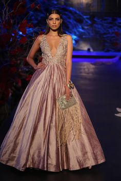 Manish Malhotra Collection At India Couture Week 2015 (4)