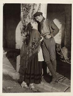 Greta Garbo and Ricardo Cortez Classic Movie Stars, Classic Movies, The Painted Veil, John Gilbert, Swedish Actresses, Divas, Greta, Mata Hari, Anna Karenina