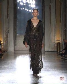 Haute Couture Dresses, Couture Fashion, Runway Fashion, Fabulous Dresses, Elegant Dresses, Beautiful Dresses, Burberry Gifts, Lesage, Looks Chic