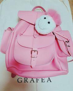 그라페아 가죽 백팩 & 폼폼, 스마일리 핑크! www.gafea.com #Smily-pink #moda #derisırtçanta #blog #tarz