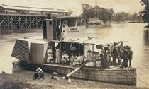Echuca:PADDLE-STEAMER 'ERIC'  * Popularity: Select appeal  * Click for preview and more like this