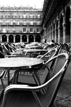 Plaza Mayor de Salamanca - Miss that place! Places Around The World, Oh The Places You'll Go, Places Ive Been, Around The Worlds, Drinking Coffee, Vacation Spots, Travel Photos, Travelling, Madrid