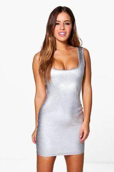 9/19/17  Brand/Designer: Boohoo Material: Metallic Dress Silhouette: Bodycon Neckline: Square Neck Size Category: Petite