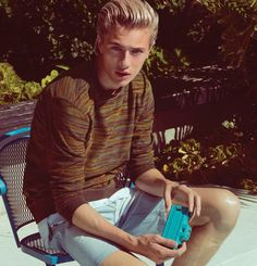 Discover Penshoppe Spring Summer 2016 advertising campaign featuring supermodels Sean O'Pry and Lucky Blue Smith lensed by fashion photographer Yu Tsai. Penshoppe, Sean O'pry, Lucky Blue Smith, White Horses, Spring Summer 2016, Supermodels, Casual Wear, Mens Fashion, Style