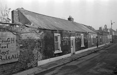 Derelict Cottages, King's Avenue, Ballybough (1970s) Ireland Pictures, Old Pictures, Old Photos, Vintage Photos, Kings Avenue, Dublin City, A Whole New World, Dublin Ireland, Old City