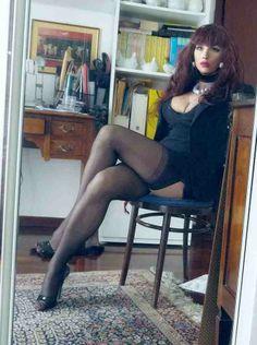 trans nice legs.