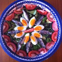 Salade Niçoise Het is zomer, dus tijd voor salades!! Deze week op mijn site een heerlijk recept voor een zomers salade niçoise. www.glutenvrijlactosevrij.nl #glutenvrij #lactosevrij #recept #salade #niçoise