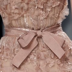 haute couture dress couture couture dresses couture kleider couture rose couture rules Elie Saab at Couture Spring 2011 - Details Runway Photos Style Couture, Couture Mode, Couture Details, Fashion Details, Couture Fashion, Fashion Design, Elie Saab Couture, Pretty Dresses, Beautiful Dresses
