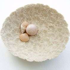bleached coral porcelain dish by Lisa Stevens: x inches, highly textured unglazed, high fired porcelain Ceramic Techniques, Pottery Techniques, Ceramic Clay, Ceramic Bowls, Pottery Bowls, Ceramic Pottery, Clay Projects, Clay Crafts, Keramik Design