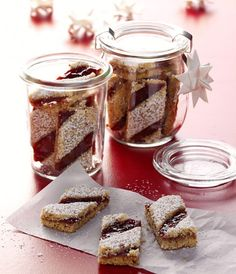 Linzer stripe recipe - Recipe for Linzer strips when eating and drinking. A recipe for 85 people. And other recipes in the - Christmas Sweets, Christmas Baking, Christmas Recipes, Other Recipes, Sweet Recipes, Xmas Cookies, Cupcake Cookies, Austrian Cuisine, Sweet Bakery