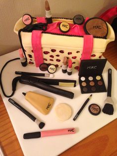 Make up and straighteners cake
