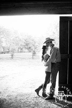 Country Engagement Photos Save the date inspiration! This is beautiful! Looks like something me and Joe would do. Save The Date Pictures, Cute Couple Pictures, Couple Photos, Couple Photography, Engagement Photography, Wedding Photography, Western Photography, Photography Business, Engagement Couple