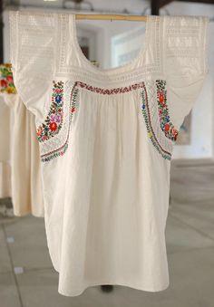 https://flic.kr/p/4yS9sf   Oaxacan Blouse Mexico   This blouse was displayed in the Arte Textil exhibit in Oaxaca Mexico. The blouse was probably made in San Antonino Castillo Velasco near Ocotlan