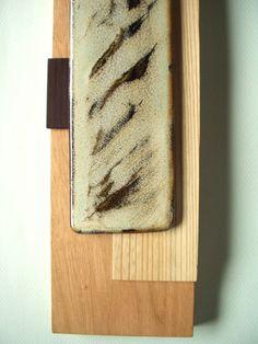 クルミを台にしてセンとコクタンを加えた陶版額。(2008.05)    (C)FQ DESIGN/OKUDA