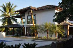 Obras de resort que vai hospedar Alemanha na Copa são concluídas. Complexo de 400 metros quadrados, com 14 casas, 65 salas e piscinas em frente ao mar, localizado na Bahia, foi erguido em 5 meses. http://esportes.terra.com.br/futebol/copa-2014/obras-de-resort-que-vai-hospedar-alemanha-sao-concluidas,e07b8a6ef1356410VgnCLD200000b2bf46d0RCRD.html