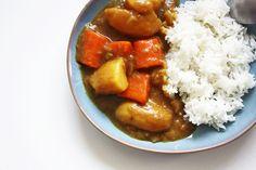 Curry Japonais : http://www.lagrignoteuse.com/2015/12/05/curry-japonais-pour-les-tricheurs/