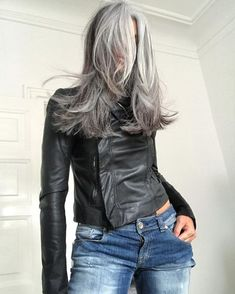 Gray Lace Frontal Wigs Gx Gray Shampoo - All For Hair Color Trending Grey Hair Don't Care, Long Gray Hair, Grey Wig, Silver Grey Hair, Grey Hair Inspiration, Natural Hair Styles, Long Hair Styles, Grey Hair Natural, Grey Hair Styles For Women