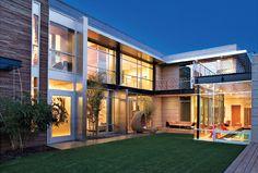 House Guest: Modern Living.