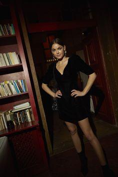 La gran noche 'a la portuguesa' de Mango Jeanne Damas, Quim Gutierrez, Channel V, Manga, Leather Skirt, Skirts, Fashion, Night, Trends