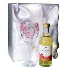 White Wine Gift Set - Love & Kisses £24.99 - The Wedding Gift Company