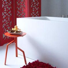 Colourful bathroom screen | Bathroom finishing touches | Bathroom accessories | PHOTO GALLERY | Housetohome