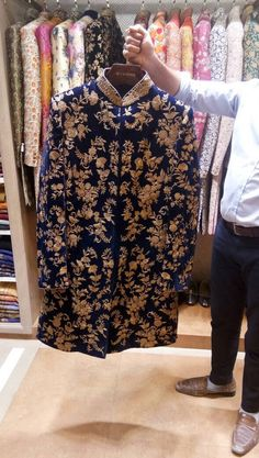 Ideas For Urban Wear And Fashion - Urban Clothing - Sherwani For Men Wedding, Sherwani Groom, Mens Sherwani, Wedding Dress Men, Wedding Suits, Wedding Groom, Bride Groom, Groom Outfit, Groom Attire