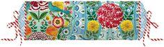 Tolle Nackenrolle »Melody« von PiP Studio. Dieses schöne Design in Vintage-Optik verzaubert mit seinen harmonischen Farben, den hübschen Blumen und den kleinen Vögeln. Einfach ein toller Hingucker und dazu noch gemütlich. Die Rolle wird mit Füllung geliefert, die mit Hilfe des Zugbandes an den Enden auch herausgenommen werden kann. Mit diesem Schmuckstück haben Sie es nicht nur bequem, sondern ...