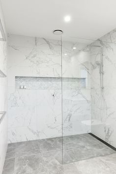 big bathroom Just Bathrooms Longueville White Marble Bathrooms, Bathroom Renos, Dream Bathrooms, Marble Tile Bathroom, Bad Inspiration, Bathroom Inspiration, Bathroom Styling, Bathroom Interior Design, Minimalist Bathroom