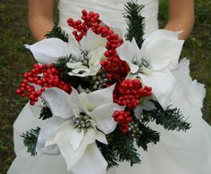 Okay, these are fake (barf), but it's a good idea. White poinsettas, why didn't I think of this sooner?