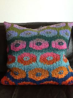 Ravelry: Suskasch's Another two persian poppy pillows