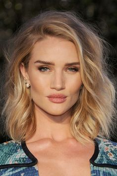 How to protect your hair in the sun - Rosie Huntington-Whiteley | Harper's Bazaar